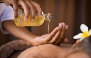massaggio-con-olio